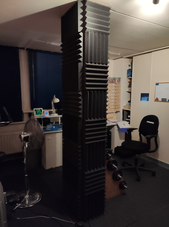 Gameruimte met wedges voor geluidsverbetering