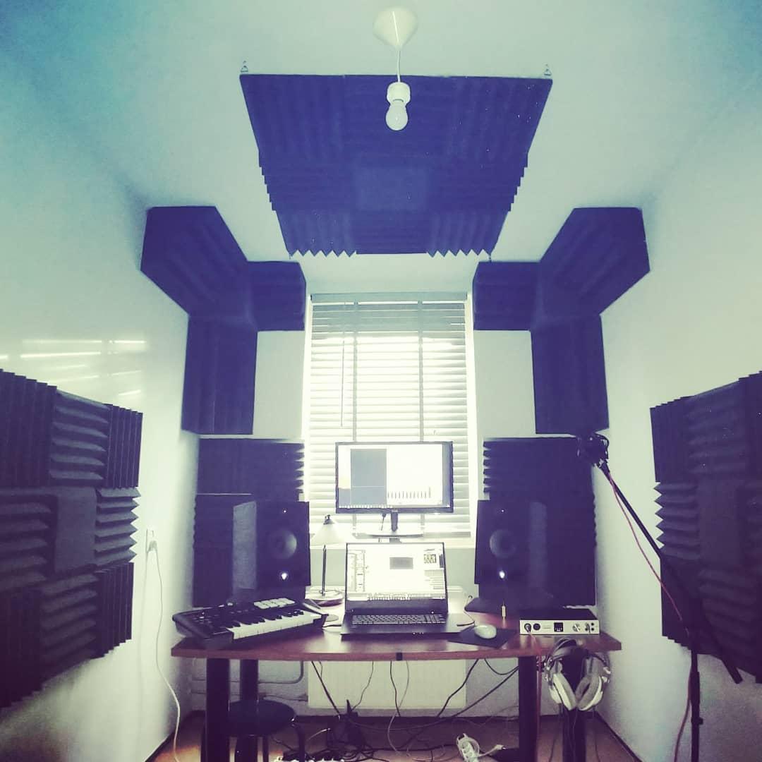 studio klein met acoustical foam