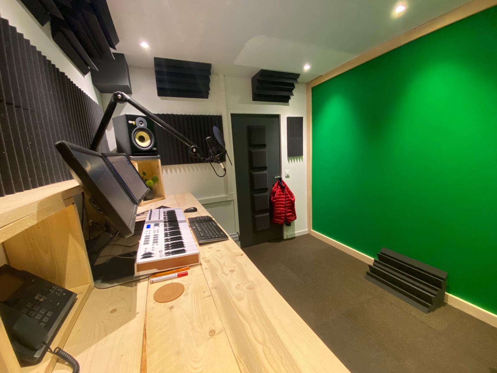 Muziek studio Sittard bass traps, wedges, monitor pads